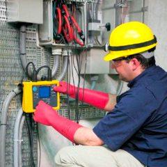 Se necesitan Técnicos en Eléctricidad
