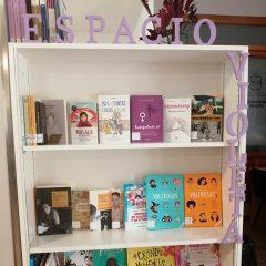 Biblioteca: Espacio Violeta