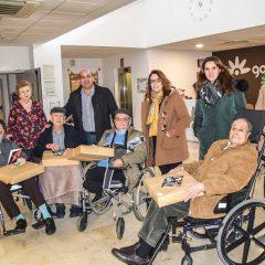 Visita a los mayores por Navidad